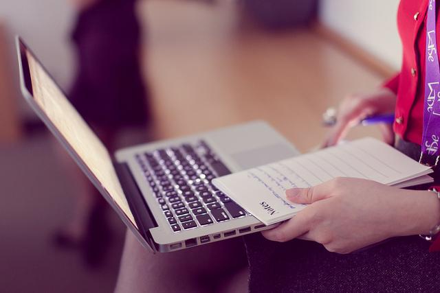 Pour une Prise de Notes Efficace : Papier ou Digital ?